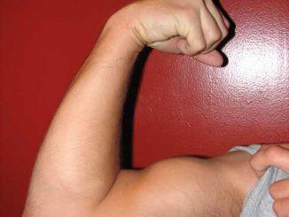 esercitare i muscoli delle spalle