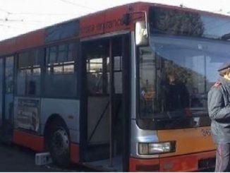 pistola sul bus