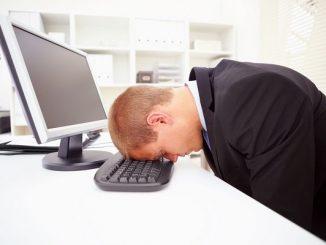 Età e lavoro: le persone over 40 dovrebbero lavorare 3 giorni a settimana?