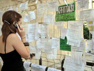 http://www.notizie.it/wp-content/uploads/2016/08/studenti-fuori-sede-in-cerca-di-casa.jpg