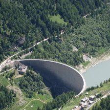 La diga della Valgrisenche,