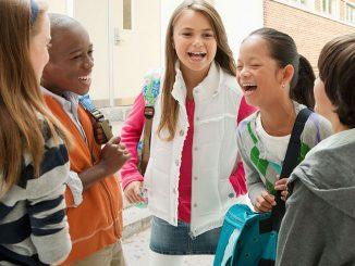 Rientro a scuola: come aiutare i figli a riabituarsi?
