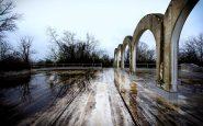 Struttura ad archi abbandonata