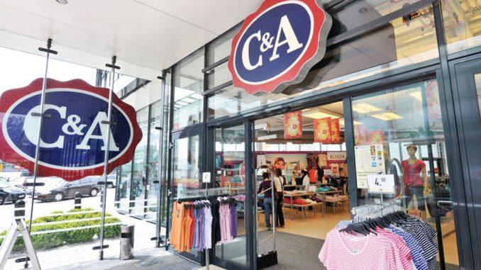C&A assume: il gruppo di abbigliamento olandese investe sul suolo italiano.