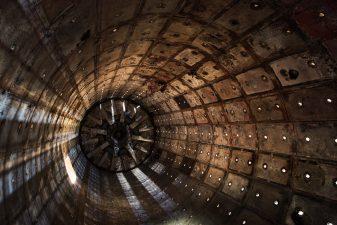 Interstellar, un riferimento al recente film di fantascienza.