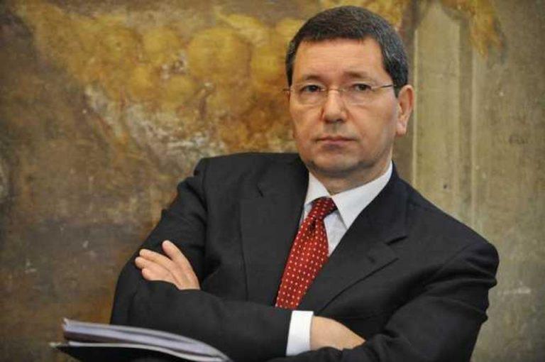 Marino, ex sindaco Roma: 3 anni reclusione per cene a spese del Comune
