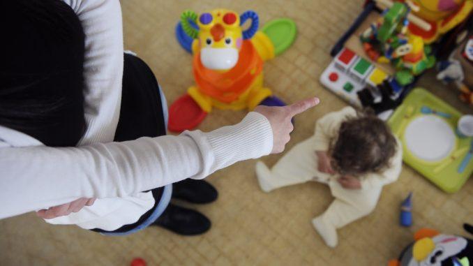 Maltrattamenti in asilo barese, un anno di interdizione per la maestra