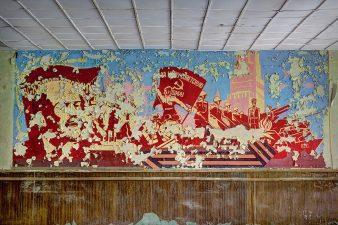 """Muralei con soldati """"rossi"""""""