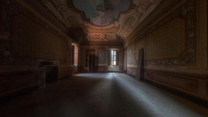 Interno villa abbandonata