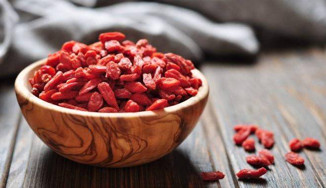 """Bacche di Goji, foglie di cavolo e semi di Chia: la dura verità sul """"superfood"""""""