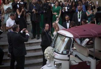 cristel-carrisi-matrimonio-da-favola-500-vip-invitati-lecce-bloccata-e-la-sposa-arriva-su-un-tre-ruote__730__000721716