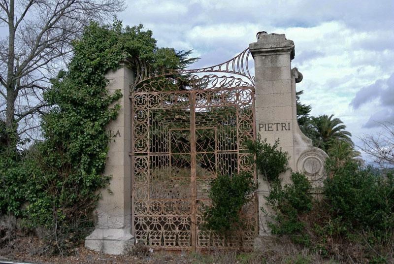 cancello Villa Pietri