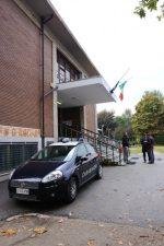 Arrivo dei carabinieri e vigili del fuoco