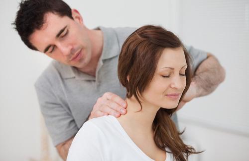 Cervicale mal di testa e vomito: cause e rimedi