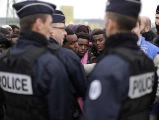 Migranti: Francia,Calais