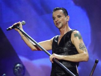 corbis-42-50000610-jpg-depeche_mode_perform_at_the_stadio_olimpico_in_rome