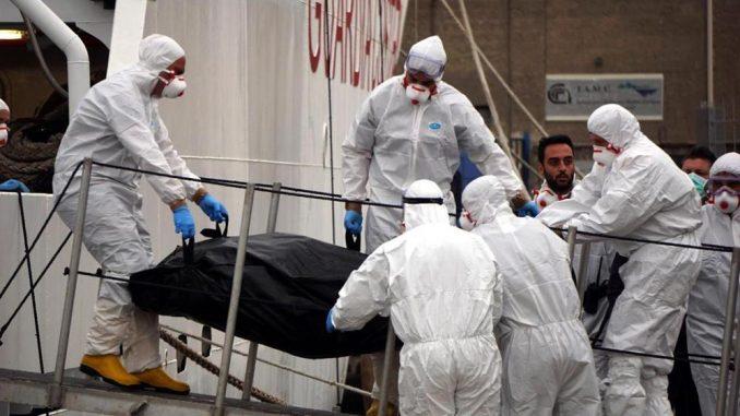 Migranti a Napoli: sbarcati in 463 al porto