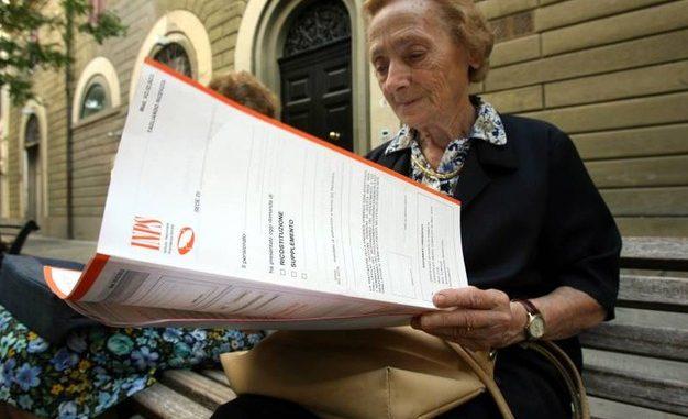 Pensioni: quattordicesima per chi prende meno di 1000 euro al mese