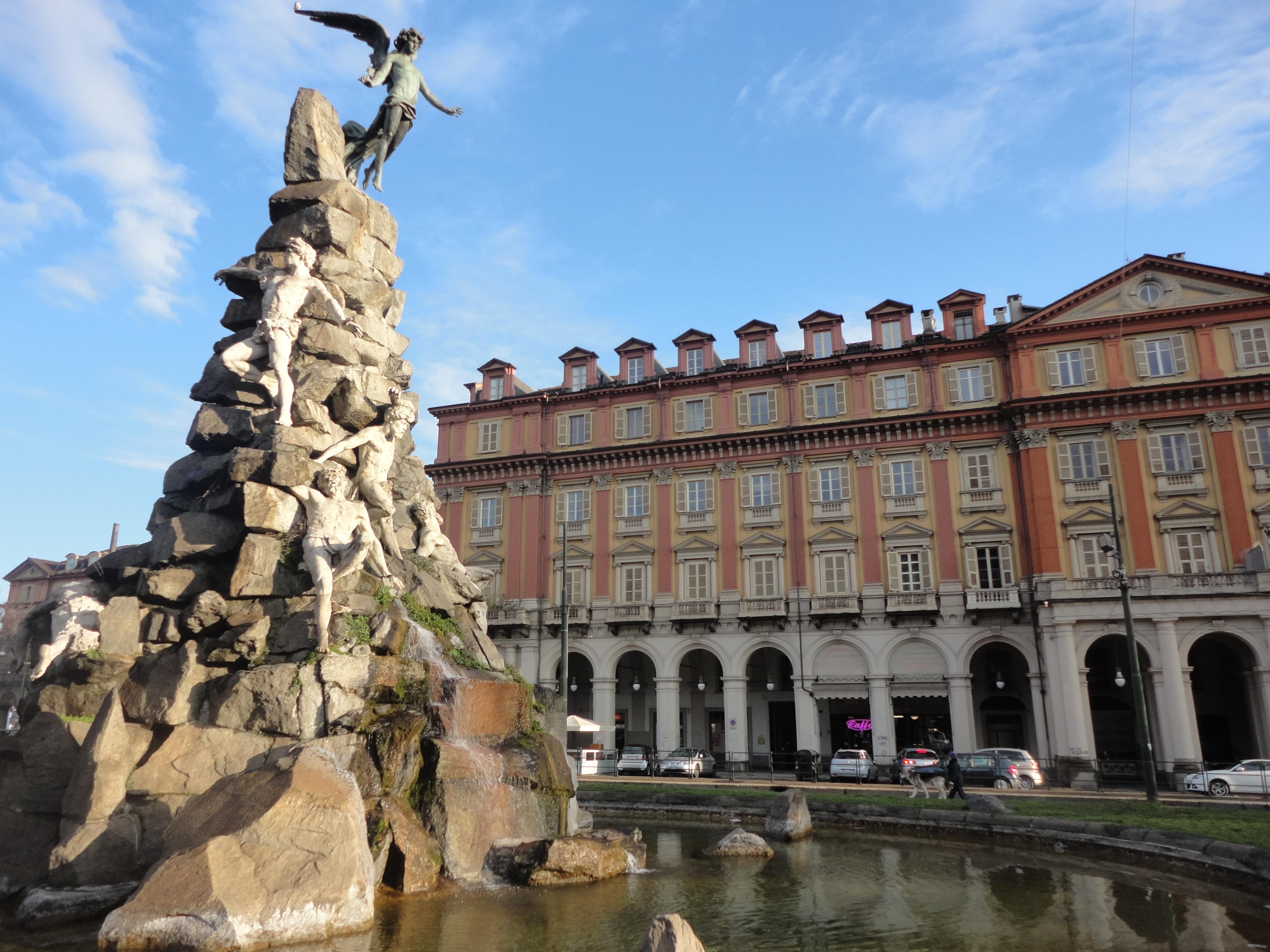 Piazza Statuto a Torino
