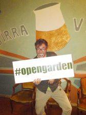 Teo Musso, il titolare di Baldin, mostra il tag #opengarden.