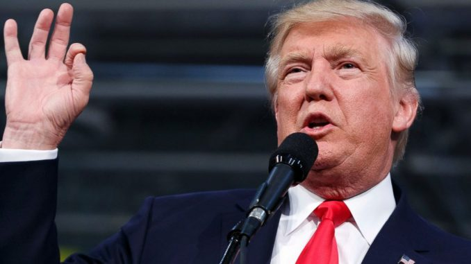 Trump come un polipo: accuse di molestie sessuali da 3 donne