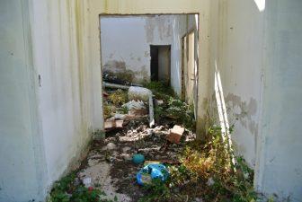 Venafiorita tra i rifiuti