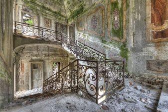 Interno in rovina di Villa Poss