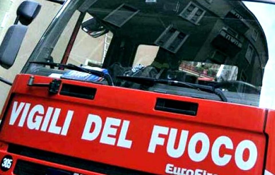 Milano, esplosione al bar I Cinque Giardini: undici feriti