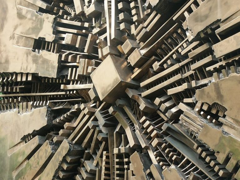 A Milano, la mostra dedicata ad Arnaldo Pomodoro