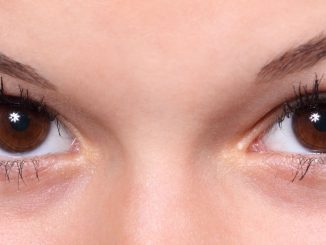 Come applicare la crema per il contorno occhi