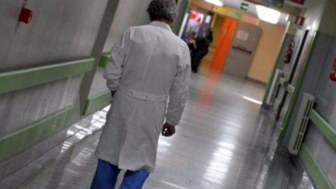 Dottore e amante infermiera arrestati con accusa di omicidio a Saronno
