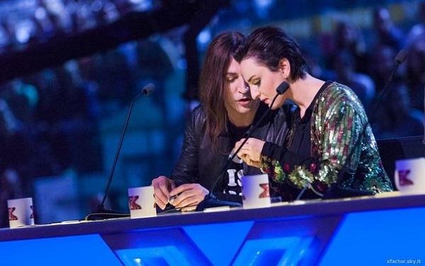 Striscia la notizia, tapiro ad Arisa (brilla a X Factor 2016)