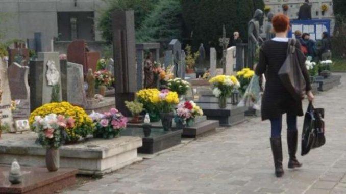 Tassa sulla morte: 30 euro ogni funerale
