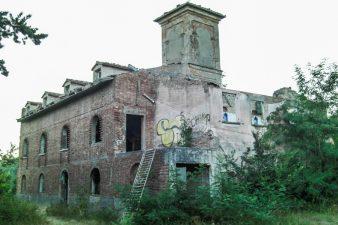 Il complesso abbandonato di Villa Samantha