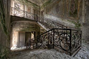 Scale della villa in tipico Stile Liberty