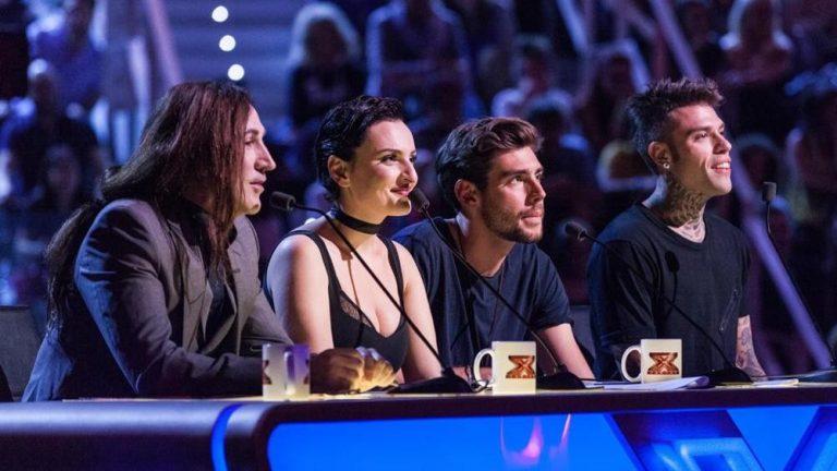 X Factor, il minishow degli eliminati in una filiale San Paolo