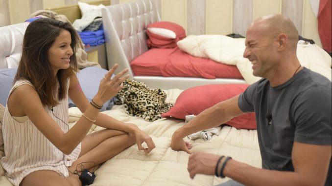 Stefano Bettarini e Mariana Rodriguez insieme? La foto dello scandalo