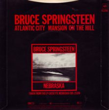 "Copertina dell'album di Bruce Springsteen che contiene ""Mansion On A Hill"""