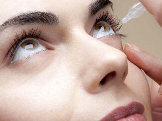 Come applicare il collirio per gli occhi