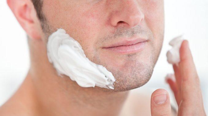 Peli incarniti barba: rimedi fai da te