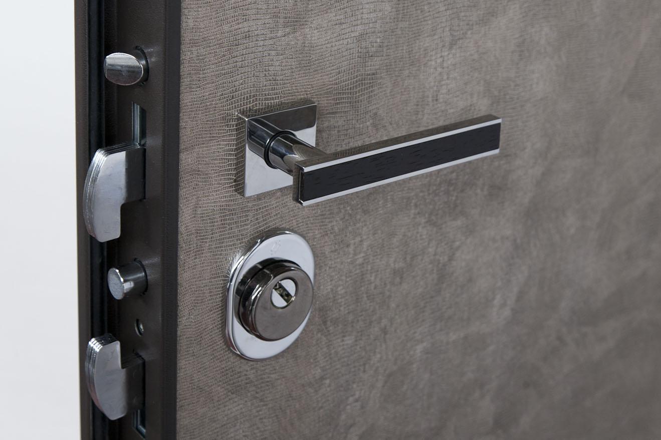 Registrare Porta Blindata: Come Regolare una Porta ...