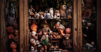 Ancora bambole inquietanti e misteriose a Roma