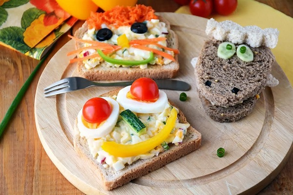 Breakfast sandwiches for kids, funny faces