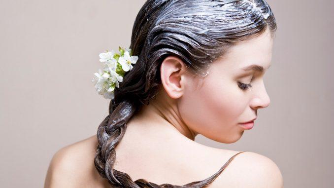 Colorare i capelli grigi e come eliminarli