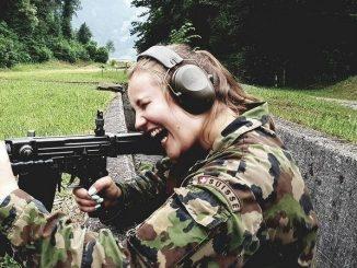 Svizzera: sexy soldatesse per una campagna social