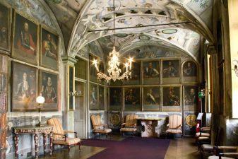 Galleria degli Antenati al castello