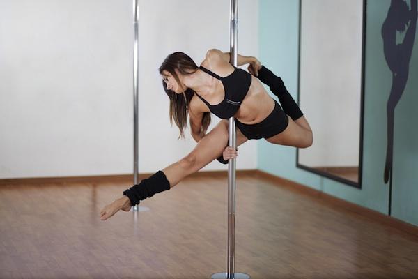 Pole Dance: abbigliamento, costo, dove comprarlo