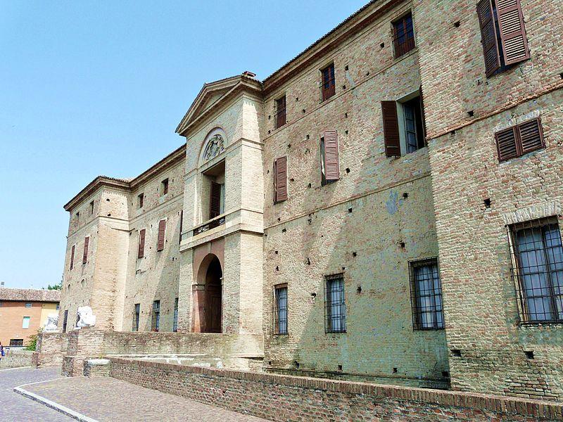 Facciata principale della Rocca Meli Lupi di Soragna