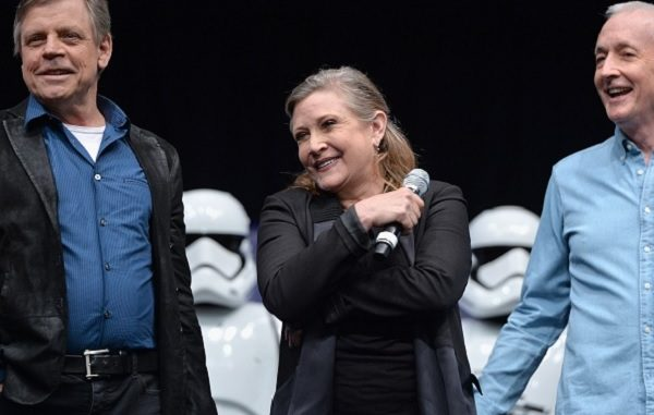 Carrie Fisher colta da un infarto mentre era in volo