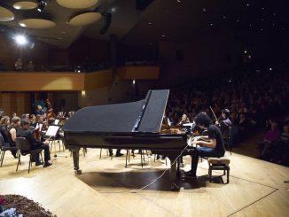 Video Giovanni Allevi: concerto improvvisato a Napoli in Stazione Garibaldi